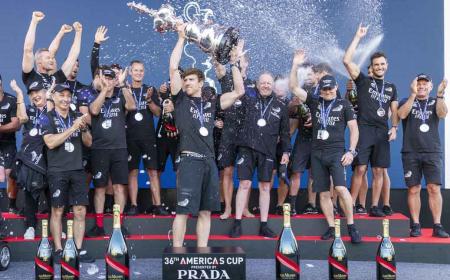 Mar Abierto - El Emirates Team New Zealand esá cortejando distintas opciones -in