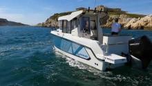 Mar Abierto - Tres puertas deslizantes en la caseta y la puerta de embarque en l