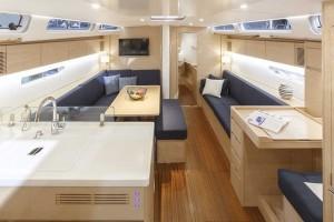 Mar Abierto - El tono roble claro aporta luz y sensación de espacio a los interi