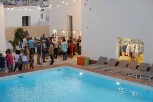 Mar Abierto - Los siete módulos de la Casa Club cierran el solar y forman un esp