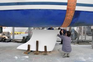 Mar Abierto - Una vez reparada la quilla y laminados los bajos del casco, hay qu