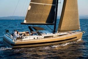 Mar Abierto - Con vientos medios, el YY62 es capaz de buenas medias de velocidad