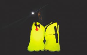 Mar Abierto - Luz LED para señalizar el chaleco Lume-On de Spinlock