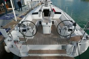 Mar Abierto - La bañera es muy amplia, hasta el punto que la mesa exterior utili
