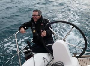 Mar Abierto - El timonel tiene un asiento confortable y con buena visión hacia p