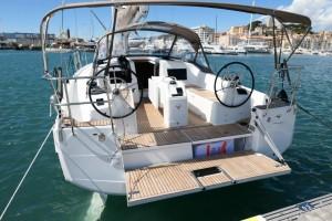 Mar Abierto - Bañera amplia y cómoda de utilización, tanto en puerto como navega