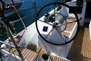 Mar Abierto - Muy práctico el pasillo lateral en forma de rampa que empieza en l