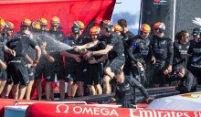 Mar Abierto - Alegría a bordo de la tripulación del 'Emirates Team New Zealand'