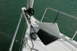 Mar Abierto - Funcionalidad y estética bien combinadas en proa, con el botalón i