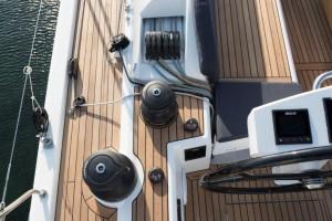Mar Abierto - El espacio para la maniobra entre las ruedas y los bancos es reduc