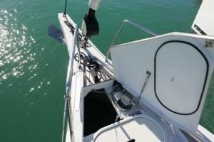 Mar Abierto - Bien por el diseño del conjunto botalón/cofre de anclas, con rolda
