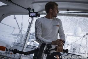 Mar Abierto - Thomas Ruyant (LinkedOut) con los datos de navegación bien a la vi